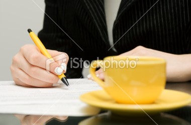 istockphoto_14463755-signing-contract