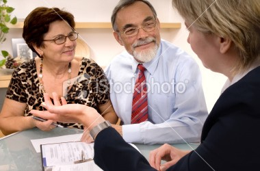 istockphoto_7583522-financial-planner